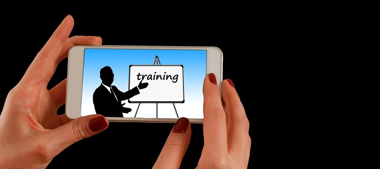 smartphone, hand, training-1446555.jpg